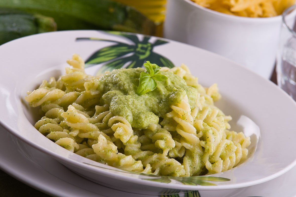 Recipe: Creamy but Healthy Avocado Pasta